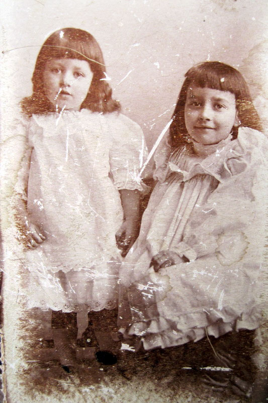 Edward John Pethard's first two daughters, Priscilla Marjorie (always known by her middle name) and Violet Lillian taken around 1904.