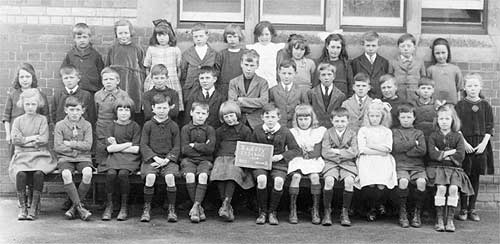 Class photo, Group 3 (1924)