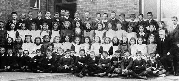 Class photo, late 1890s