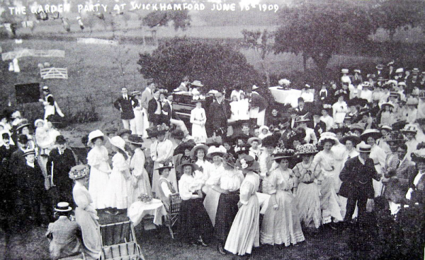 Garden Party, Wickhamford, 1909