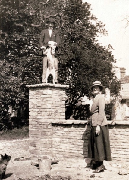 George and Helen Lees-Milne in front of Wickhamford Manor