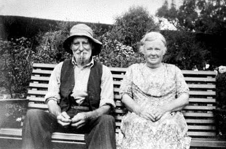 Albert and Hannah Maria Smith, nee Pope, in later life.