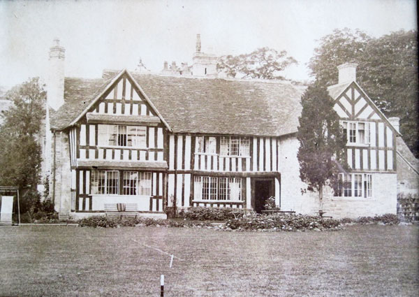 This is the rear of the Manor pretty much as it was when George Lees-Milne bought it in 1906 (the picture is said to be from around 1912). There are only two gables at this stage.