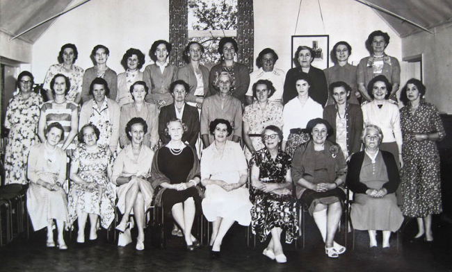 The members of Wickhamford WI in July 1957