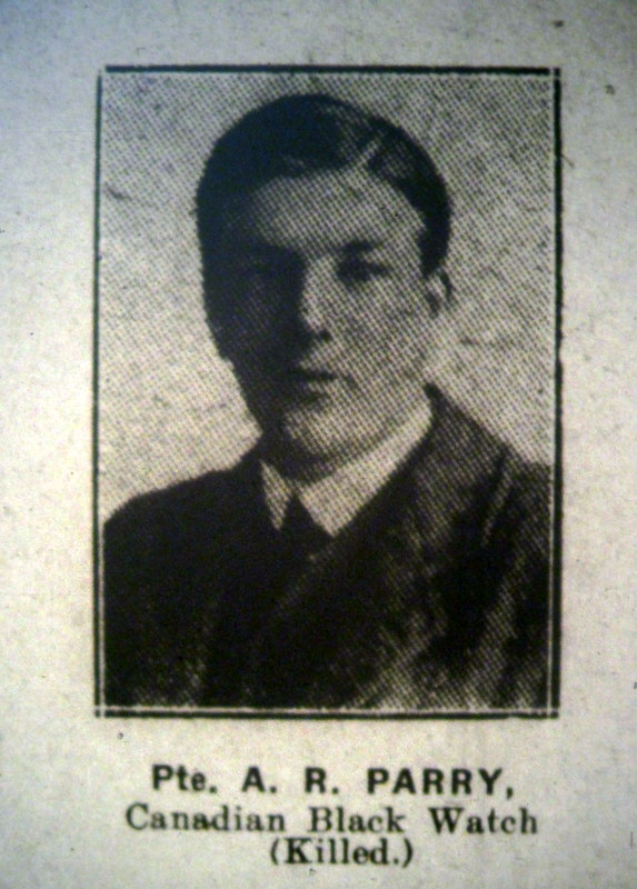 The picture of Pte Parry in the Evesham Journal of 7th October 1916
