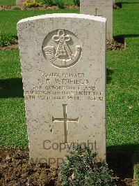 Stanley Winfield's grave in Coriano Ridge War Cemetery, Italy
